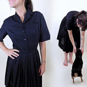 Classic 1950s Little Black Dress // Full Pleated Skirt // Zips and Buttons // Short Sleeve Collared Dress // Small Medium