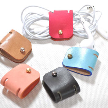 Leather Earphone holder - vegetable leather - earbud - cable holder - cable organizer