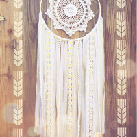 White Daisy Lace Crochet Doily Shabby Chic Boho Gypsy Dreamcatcher // Baby Nursery Decor // Wedding Decor // Home Decor