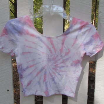 Medium Pastel Bubblegum Pink and Wisteria Swirl Tie Dyed Crop Top