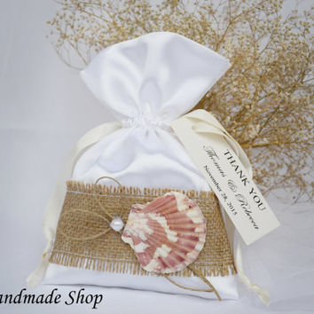 Beach Favor Bag, Seashell Wedding Favor Bag , Beach Bag, Rustic gift bag, Candy Favor Bag, SET OF 25
