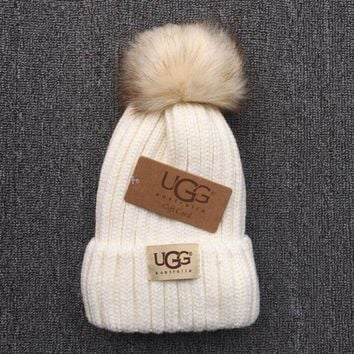 CREYV9O UGG Trending Fashion Casual  Knit And Pom Hat Cap Warm Woolen Hat White