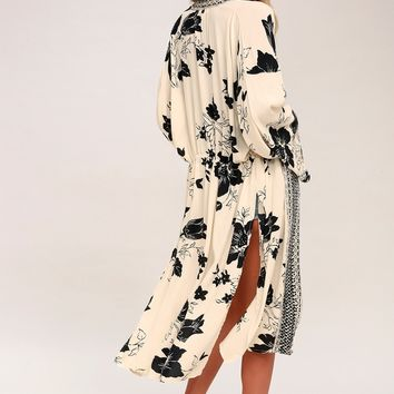 Sea the Sun Light Beige Print Kimono