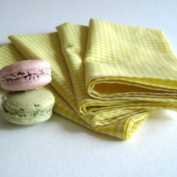 Lemon Gingham Table Napkins set of 4 / Kitchen Picnic Napkins Yellow White Checkered - Eco Friendly Food Napkins (READY TO SHIP)