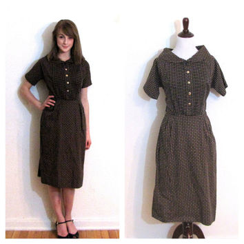 Vintage 1950s dress / peter pan portrait collar shirt waist dress pleated size M medium