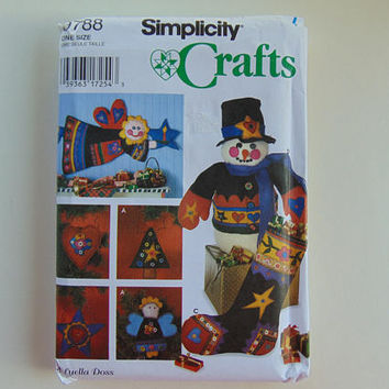 Simplicity 9788 Christmas Crafts Ornaments Angels Stocking and 22 in Snowman Sewing Pattern UNCUT