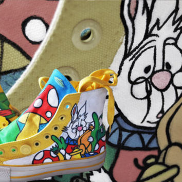 """Custom LEVIS Shoes """"Alice in Wonderland"""" Hand Painted. Size 37"""