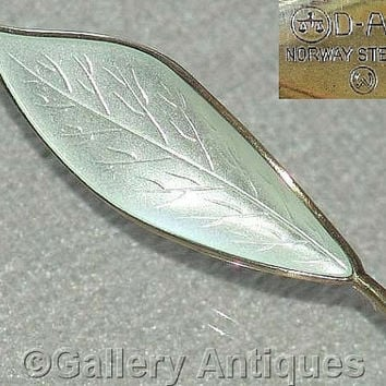 Vintage David Andersen 925 Sterling Norwegian Silver and Guilloche Enamel Leaf Brooch designed by WIlly Winnaess c.1950's (ref: Y21011)