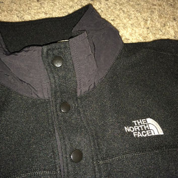 Sale!! Vintage THE NORTH FACE black jacket pullover sweaters Made in uSA
