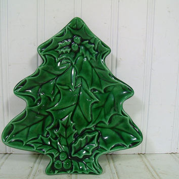 Retro Mid Century Christmas Tree Shaped Holly Leaves Textured Ceramic Plate - Vintage Green Pottery Candy Dish - HandCrafted Decorative Bowl