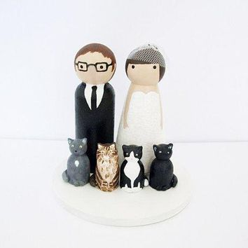 Custom Wedding Cake Topper With Pet (s)   Bride & Groom   Personalized Wedding Decor