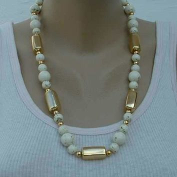 Gold-Speckled Bead Necklace Fancy Clasp Vintage 1970s Jewelry