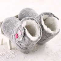 Anti-slip Design Baby Girls Soft Winner Shoes Warm Button Flats Cotton Boot Toddler Prewalke Shoes
