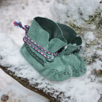 Green Baby slippers, sami style baby moccasins.