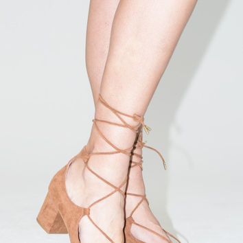Block Heel Lace Up Pump