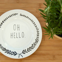 Illustrated OH HELLO plate with leafy wreath