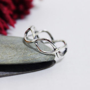 Twist ring/ Everyday ring/ Sterling silver simple ring/ Oxidized Twist Ring