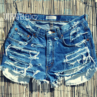 High Wasted Levis MEDIUM by UnraveledClothing on Etsy