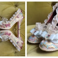 Marie Antoinette Costume Heels Shoes Rococo Baroque Fantasy Brocade Gold Rose Mauve Pink Ivory Lace Ruffle French Lolita Cute Kawaii Cosplay