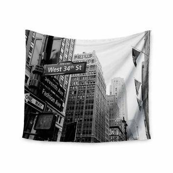 New York - Black White Urban Photography Wall Tapestry