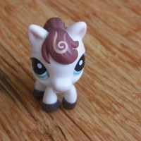 LPS #1616 White Horse Pony with Blue Eyes Cream Swirls in Brown Mane 2010