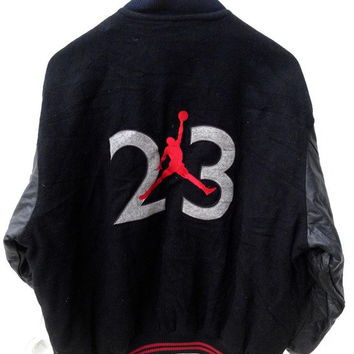 8732a270768 Vintage Vtg 90's NIKE FLIGHT Air Jordan Basketball Michael Jordan  Bomber Jacket