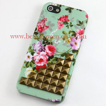 studded Iphone 5 Case,  iphone 5 case, floral cases, brass studded Iphone case, mint green Flower Iphone 5 Hard Case