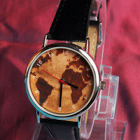 Vintage World Map design wristwatch.