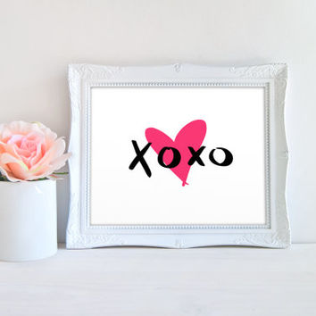 XOXO Love Hugs and Kisses Pink Heart Printable Sign, Printable Digital Wall Art Template, Instant Download, Customizeable 8x10