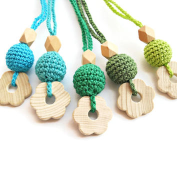 Teething Necklace Mom Necklace  Wood Baby teether Crochet Teething Green Aquamarine Blue Wood Bead Teething Baby Shower gift for new mom