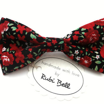 Bow Tie - floral bow tie - wedding bow tie - red bow tie with red flowers - man bow tie - men bow tie - groomsmen bow tie