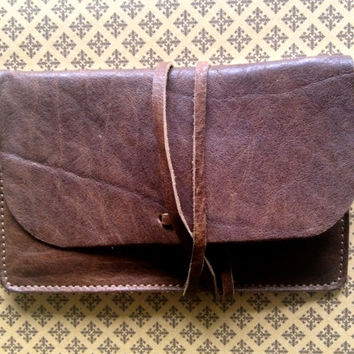 Tobacco Pouch embroidered, Handmade Leather, Tobacco, i-Phone case, Pouch, cigarettes, rolling tobacco, made in italy, accessories