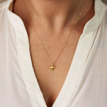 Shark Tooth Necklace / Gold Shark Tooth Necklace on 14k Gold Filled Chain / Sharktooth Necklace