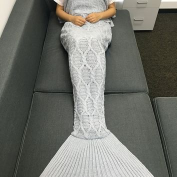 Fashion Solid Color Crochet Knitting Geometric Pattern Mermaid Tail Design Blanket