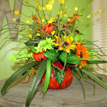 fall floral arrangement, pumpkin centerpiece, Thanksgiving centerpiece, fall decor, autumn florals, autumn decor, Fall table centerpiece