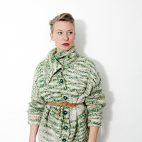 Vintage sweater / green and creme hand knit oversized cozy cardigan/ size L