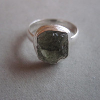 Stunning Handcrafted Moldavite & .925 Bali Sterling Silver Ring - Size 7