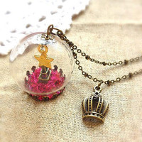 Paris Eiffel Tower Goldern Star Crown Glass Globe Necklace