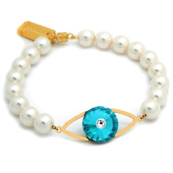 Magical Eye Bracelet: White Swarovski® Crystal Pearls