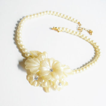 Flower Choker Necklace, Rhinestones, Molded Plastic Off White Cream Color, Looks Like Mother of Pearl, Beaded Faux Pearl Vintage Necklace