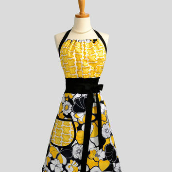 Cute Kitsch Apron Handmade Modern Design in by CreativeChics