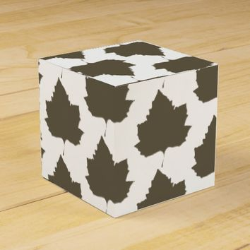 Stylish Sycamore Tree Leaf Pattern Favor Gift Box