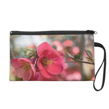 Wristlet with flowers