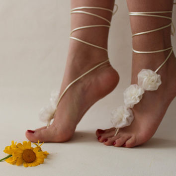 İvory Flowers Beach Wedding Barefoot Sandals,Lace Shoes,Bridal Lace Barefoot Sandals,Summer Wedding,Wedding Shoes