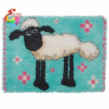 Free Shipping Hook Rug Kit DIY Unfinished Crocheting Yarn Mat Latch Hook Rug Kit Floor Mat Carpet Set sheep crafts home decor