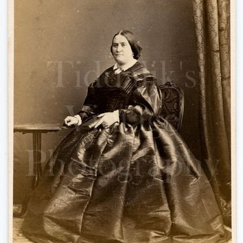 CDV Carte de Visite Photo Victorian Woman Holding Book, Large Hooped Dress Seated Portrait - Photographer Unknown - Antique Photograph