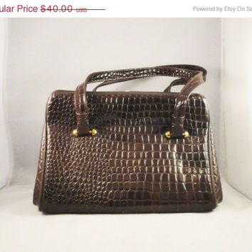 SALE Vintage Handbag Crocodile Embossed Patent Leather Brown Perfect Fall Autumn Purse  FASHION TREND Frame Bag
