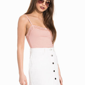 Basic Lace Singlet, NLY Trend
