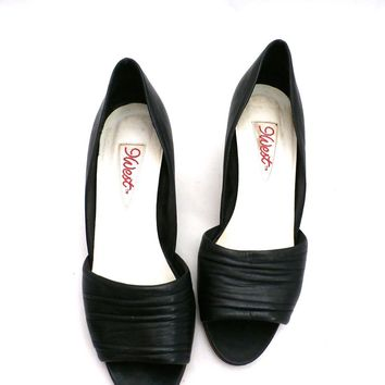 Vintage Womens Shoes 9 West Black Peep-Toe Pump Brazil 7.5 M 1980S