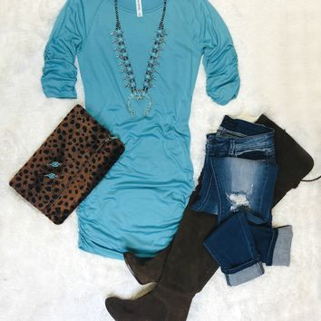 How It's Done Ruched Tunic: Turquoise